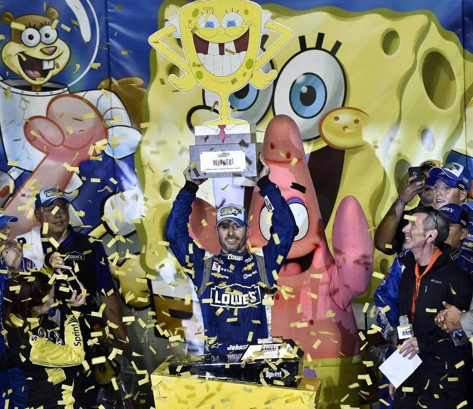 Nascar & Jeff Gordon's tribute - Page 2 974065NASCAR20race2005091520JAT20613F