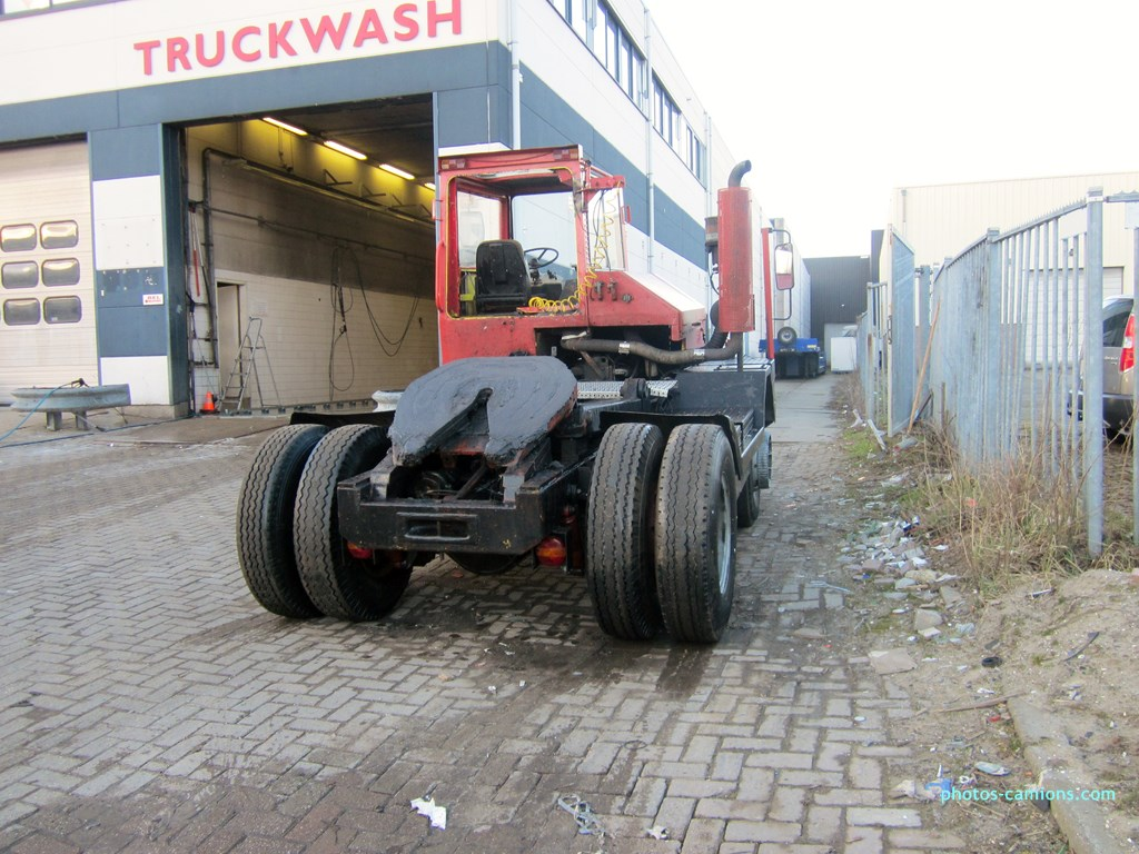 Les camions de manutention Terberg et Mol. - Page 2 975604photoscamions14III2013313