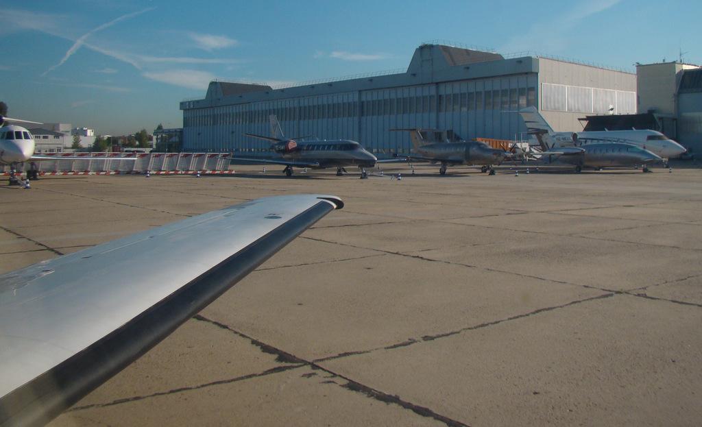 Vol en Cessna 550 CitationII , Cannes-Le Bourget 980803DSC03432