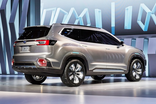 Subaru a dévoilé le concept VIZIV-7 SUV au salon Los Angeles 2016  980814motorshowliveconcept2