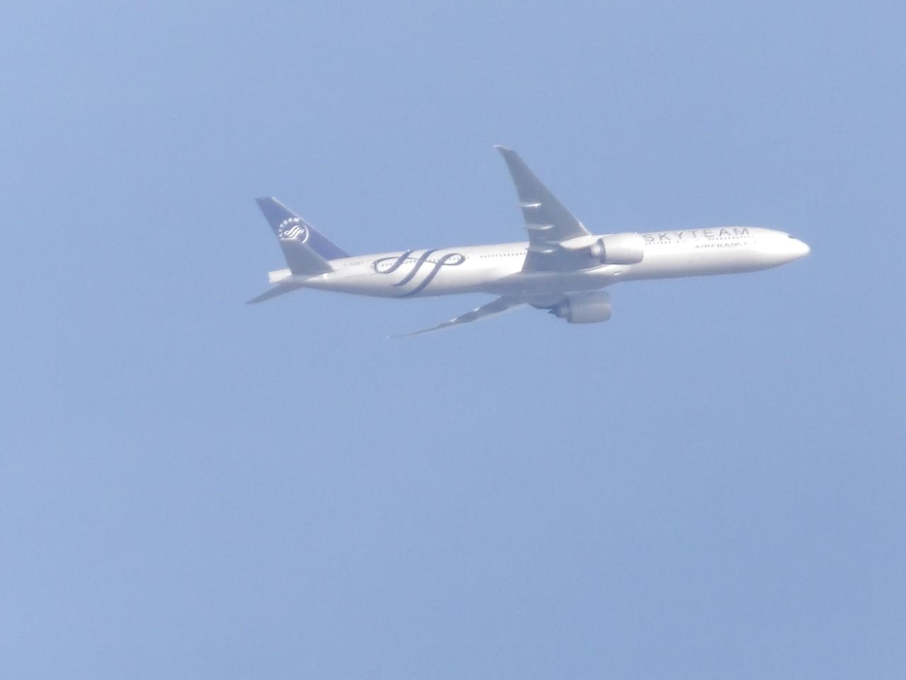 """Avion """"Spotté"""" du Jardin. 980915SkyteamAirFrance111601"""