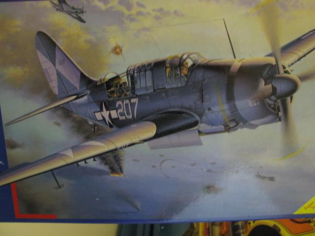 Curtiss SB2C-4 Helldiver  Revell 1/48  988502IMG0566
