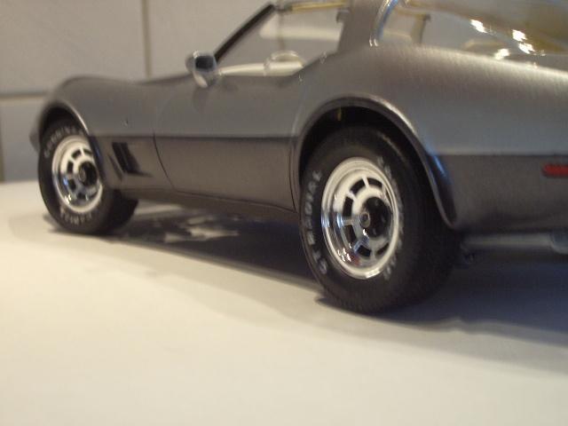 chevrolet corvette 25 th anniversary de 1978 au 1/16 - Page 2 991229IMGP8898