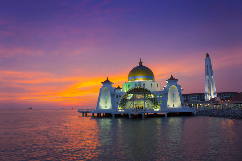 أشهر وأجمل المساجد في ماليزيا  99209916051587158015831605159015751574160216051604157516031575