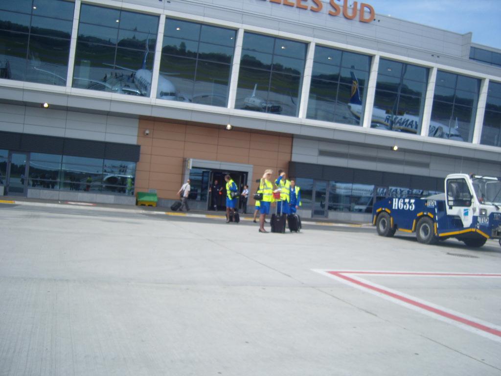 Engins d'aéroports 995602retourales16V0852