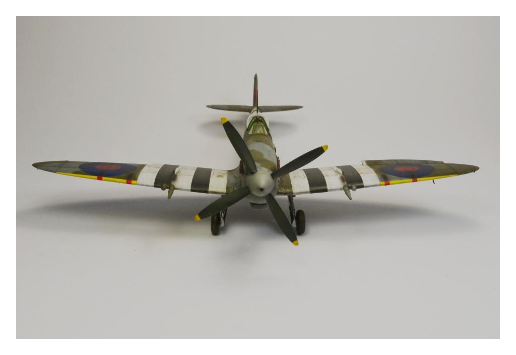 Spitfire Mk IX 1/48  999103Spitfire4