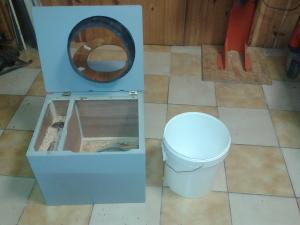 Présentation de mes toilettes séches fabrication perso  - Page 3 Mini_37957720141129134018