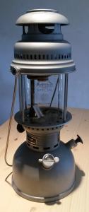 Eclairage : la lampe à pétrole - Page 2 Mini_4992242703