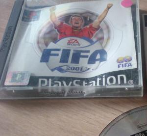 "Jeux ""multi-version"" black label PS1 Mini_657142FIFA20016"