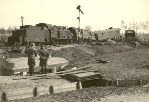 les Panzerzüge (train blindés Allemand) Mini_723267Panzerzug1Mill1051940
