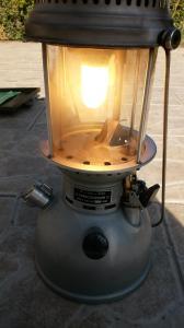 Eclairage : la lampe à pétrole - Page 2 Mini_8068151911