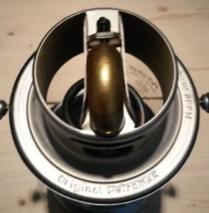 Eclairage : la lampe à pétrole - Page 2 Mini_8633449308