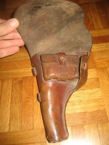 Holster pour Nagant 1895 cuir ? Mini_910528IMG0066