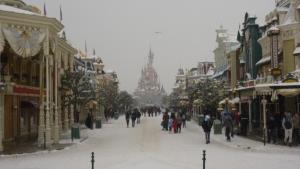 Disney et le mauvais temps (orage, pluie, neige, grêle...) - Page 24 Mini_930907200113059