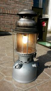 Eclairage : la lampe à pétrole - Page 2 Mini_9749358909