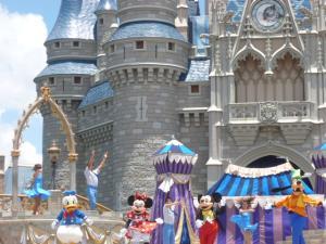 Séjour à Disneyworld du 13 au 21 juillet 2012 / Disneyland Anaheim du 9 au 17 juin 2015 (page 9) - Page 2 Mini_978417P1010123