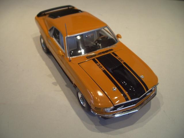 mustang 1970 MACH 1  au 1/24 de chez revell  112019IMGP8825