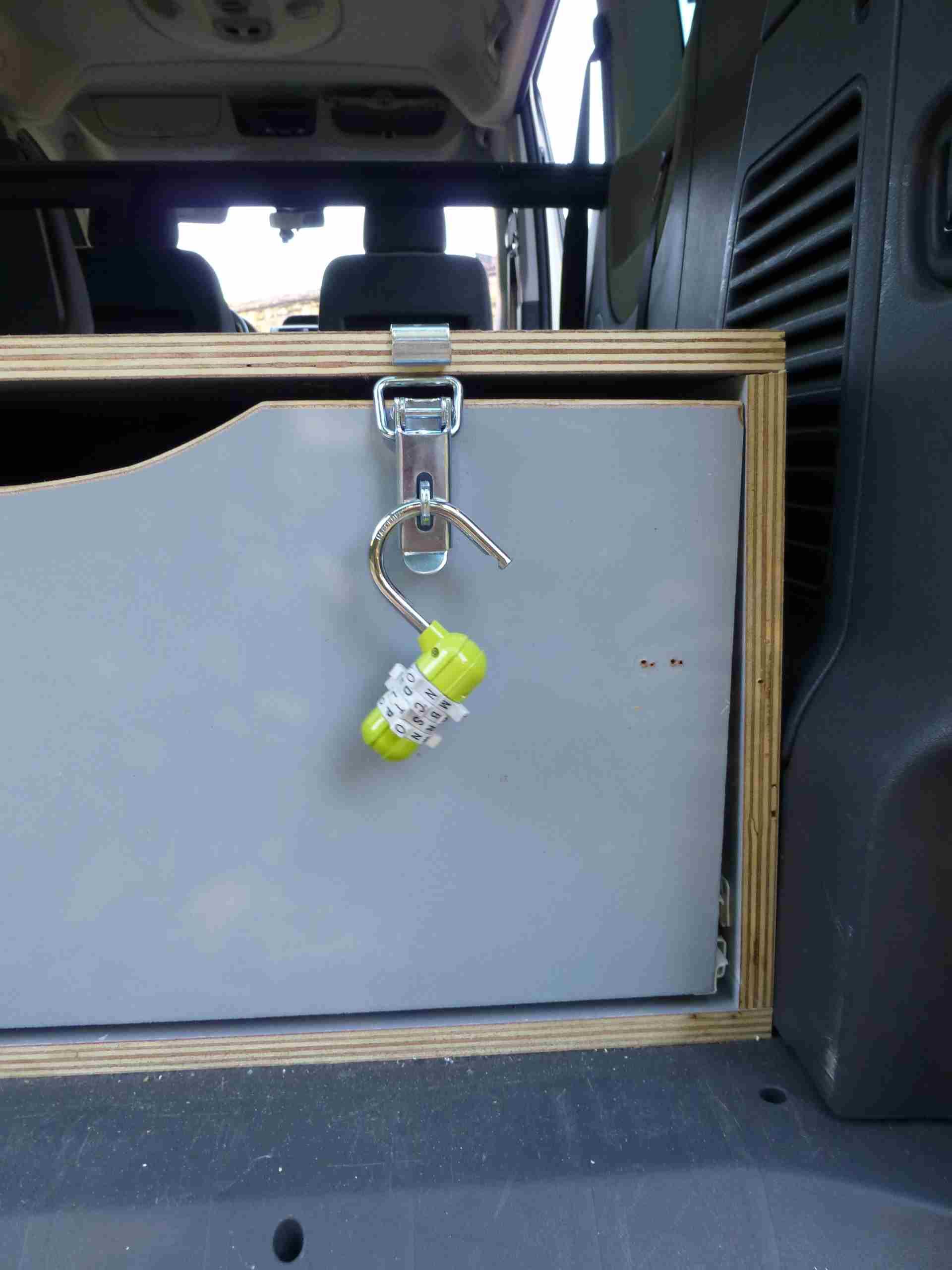 Un nouveau tiroir de coffre! 115266vue4