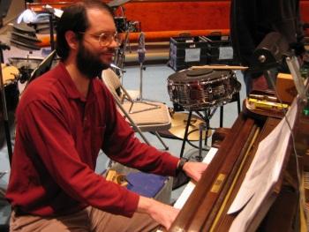 ZIK: Tom Brier, un barbu qui joue du ragtime Nintendo en sight reading 119324tombrier