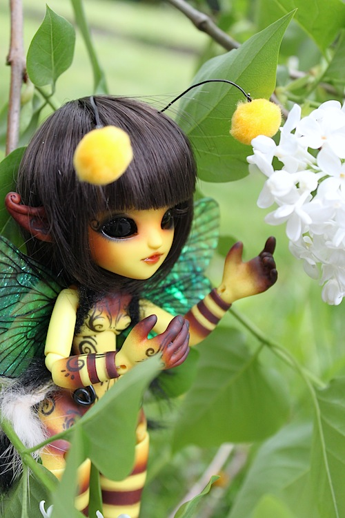 Nouvelle tenue pour ma petite Frost (Butterfly) p7 - Page 3 124400Bee10