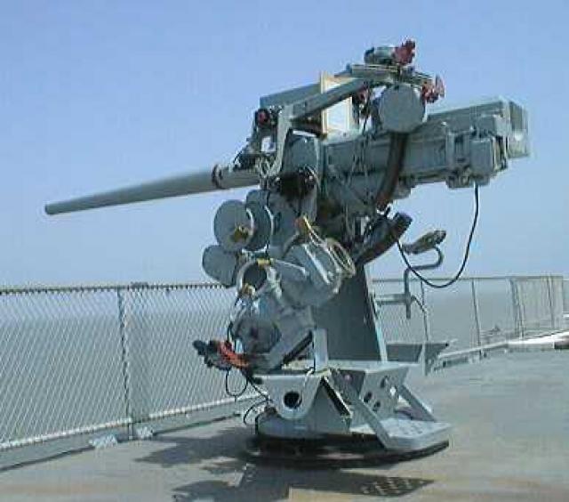 US NAVY PORTE-AVIONS CLASSE ESSEX (5EME PARTIE) 127694Canonde76mmMk10porteavionsLexington