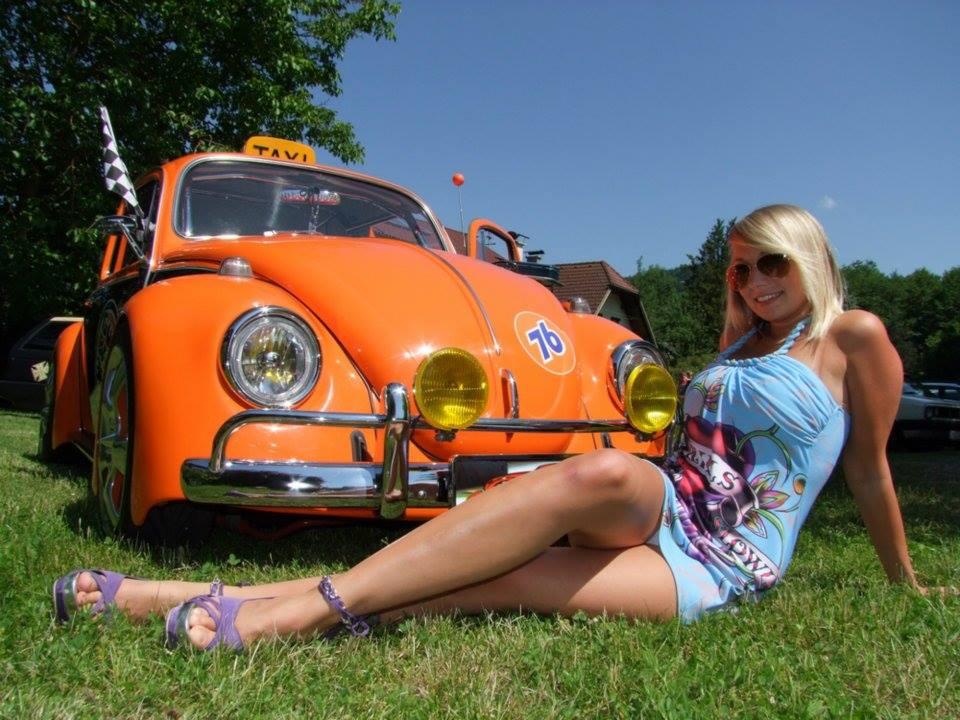 Volkswagen et ses donzelles ... - Page 37 1302451010062765427623484780664004437n