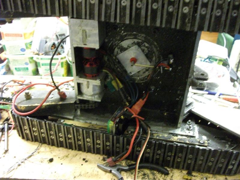 pelles électro hydrauliques LIEBHERR 964 B - Page 13 137611003