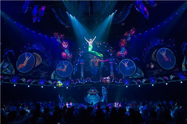 [Tokyo DisneySea] Nouveau spectacle : King Triton's Concert (24 avril 2015) - Page 2 139358w37