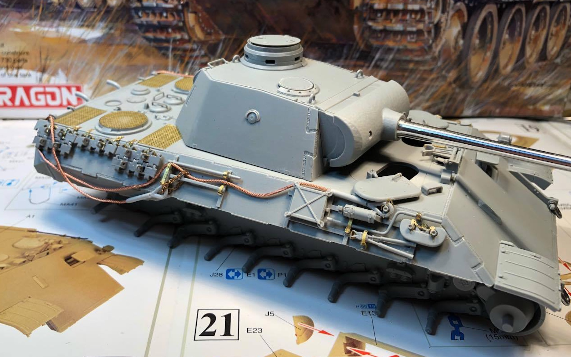 Sd.Kfz.171 Panther D - Page 2 139417PantherDStepsCablesRight