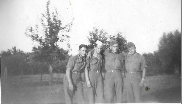 Recherche d'un parent engagé au 1er Bataillon de choc à Staoueli en 1943 :Roger BELLELAGAMBA 140180quatuorBellagambax