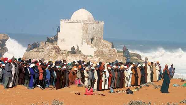 صدق أو لا تصدق : مغاربة يحجون إلى مكة بآسفي !! 14260900414