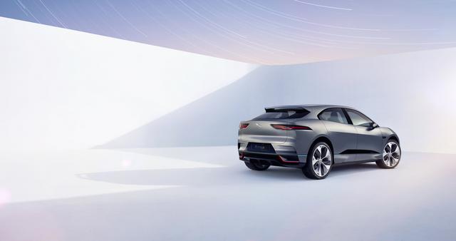 Jaguar Dévoile Le Concept I-PACE : Le SUV Électrique Performant 144056JaguarConceptIPACE5