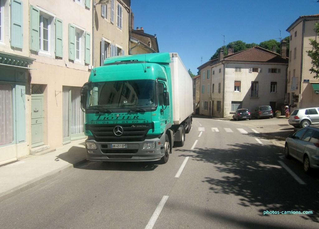 photos-camions.com /></a><br /><br />Liotier - Saint Joseph (42)<br /><br />Mercedes Actros</div><div class=