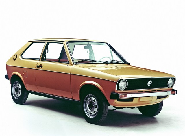 Techno Classica 2015 : Volkswagen Classic célèbre les « 40 ans de la Polo » 150446hddb2015au00669large