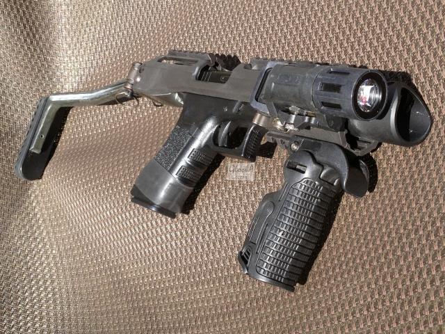 Kit carabine K.P.O.S pour Glock (Copie modèle FabDefense-Génération 1) 156020IMG6050