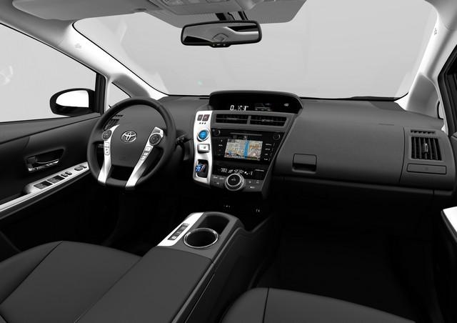 """Nouvelle Prius+ 2015 seul modèle """"full hybrid"""" à sept places en Europe 156236NouvellePrius6"""