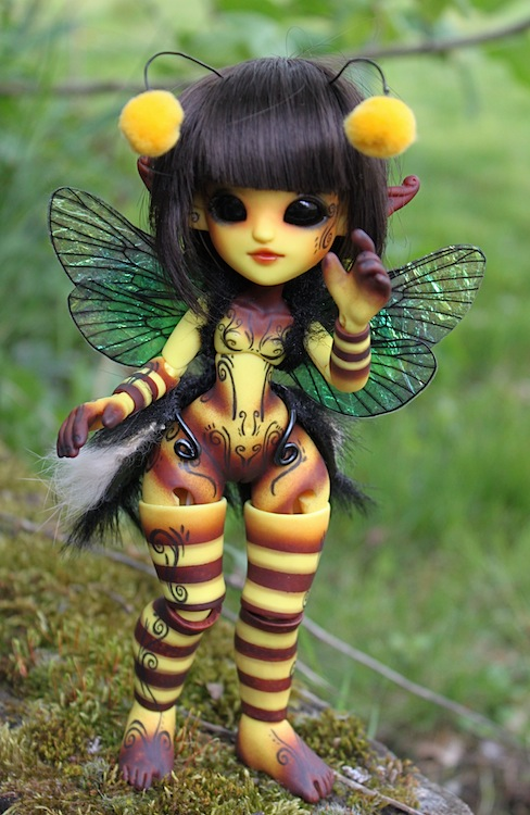 Nouvelle tenue pour ma petite Frost (Butterfly) p7 - Page 3 158290Bee1