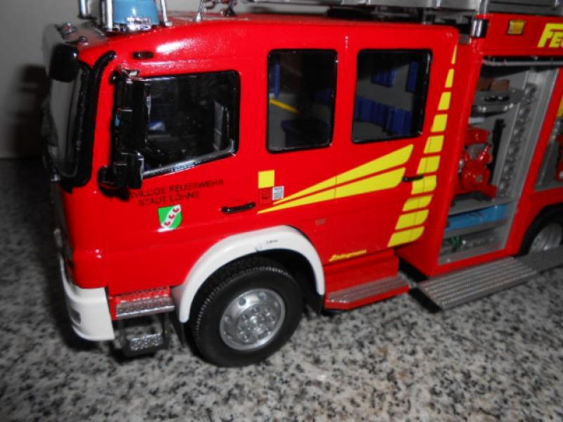 Camion de pompiers atelier de revell au 1/24° 160547pompier022