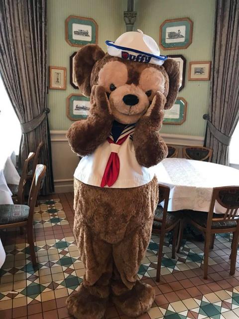 Disneyland Hotel 163819261694577542014614203086375248728828851797n