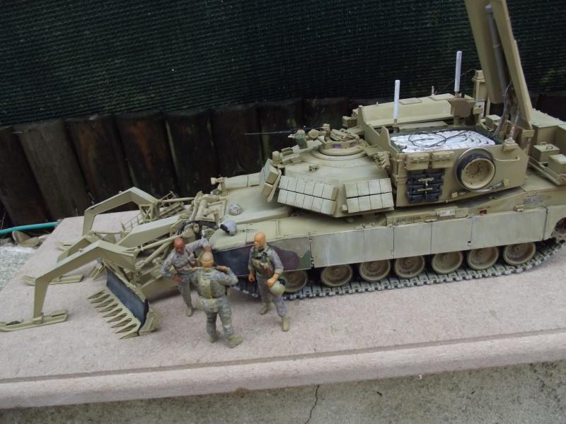 Abrams M1 ABV 1/35 RMF - Page 3 180142DSCF8676