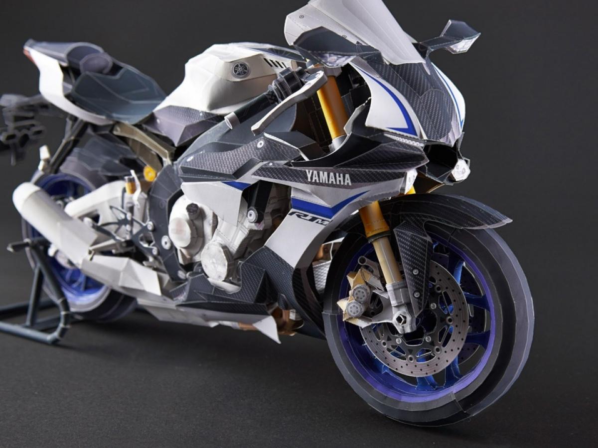 Yamaha R1 et R1M  Crossplane 2015 ( sujet numero3 ) - Page 2 187152yamahayzfr1menpapiercraftdr9514113pleinePage