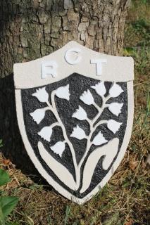 Blason du RCT en pierre reconstituée sculptée. 193565IMG2858bis