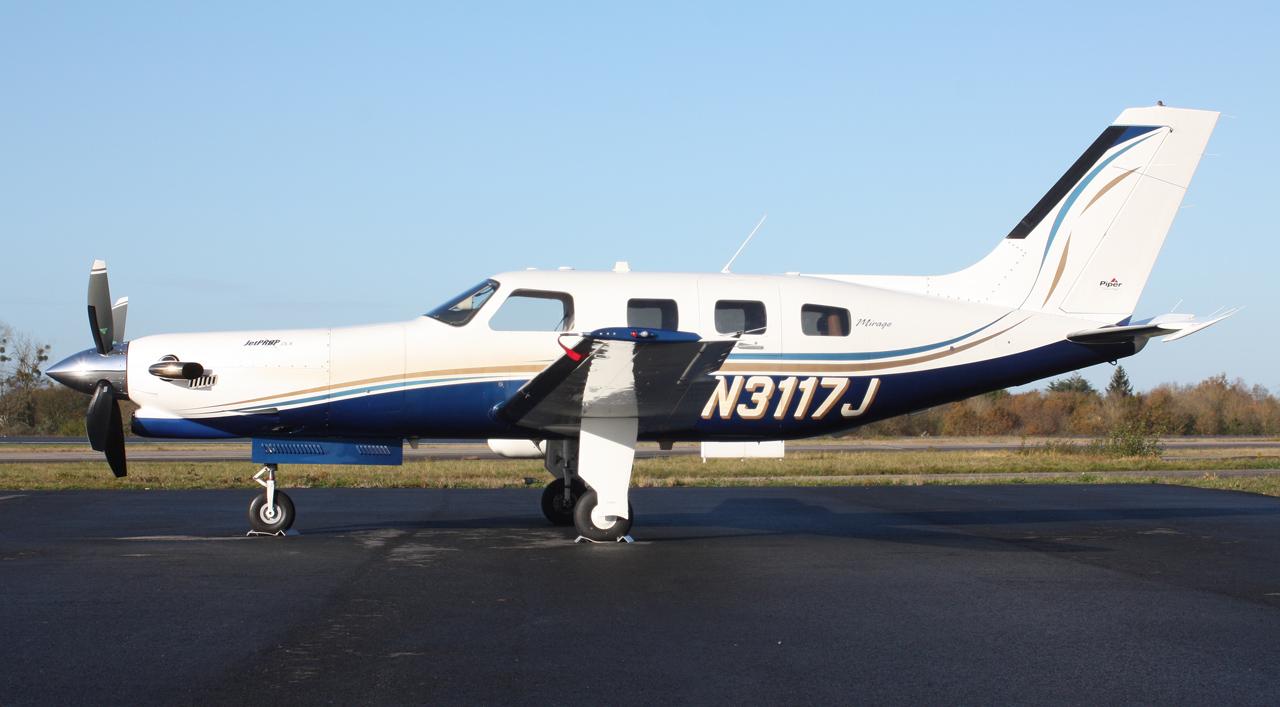 [BIZ JETS] L'Aviation d'Affaires de 2012... - Page 10 193707IMG2810