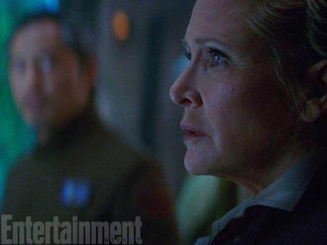 [Lucasfilm] Star Wars : Le Réveil de la Force (2015) - Page 6 194532w38