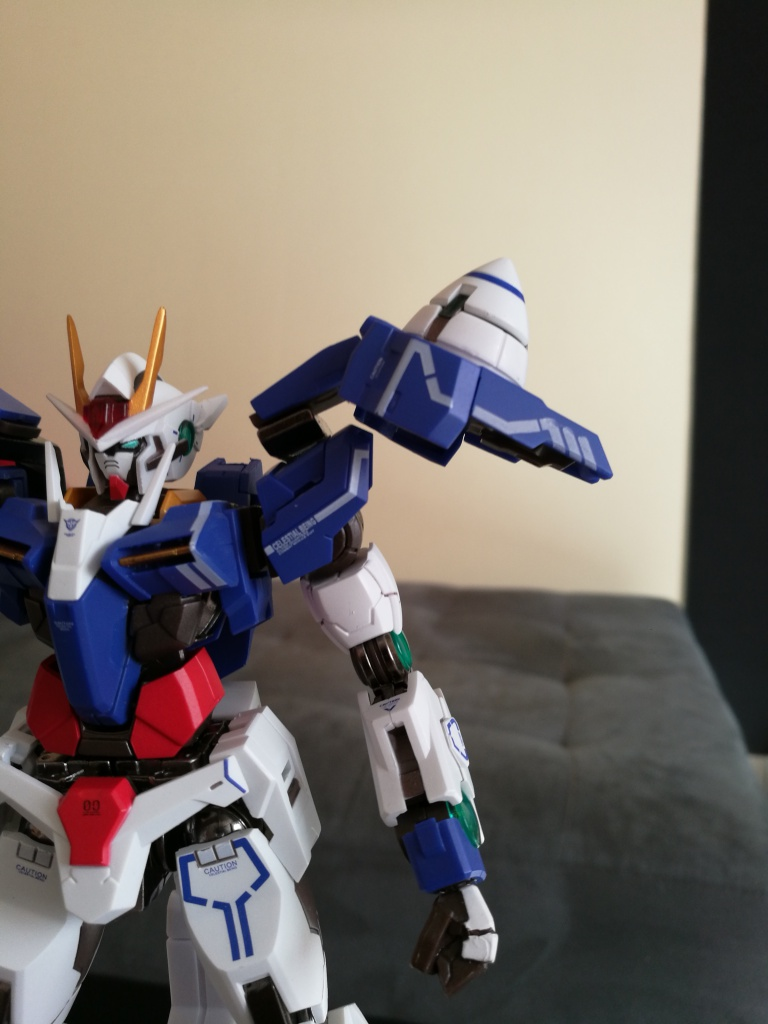 [REVIEW] Gundam 00 Seven Sword Metal Build MC Club..entre larmes,decadence et F5. 197176IMG20161027132555