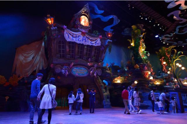 [Tokyo DisneySea] Nouveau spectacle : King Triton's Concert (24 avril 2015) - Page 2 197285lm1