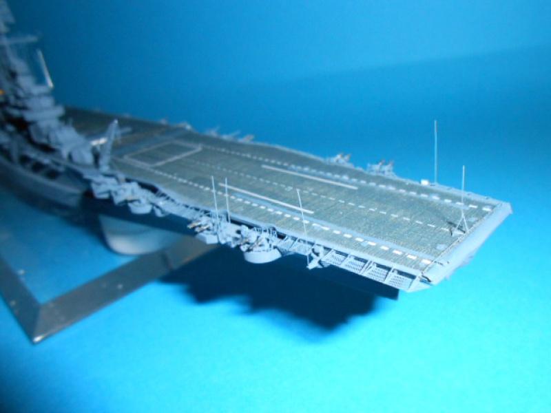 Le Saratoga 1/700 Tamiya pont en bois + PE 198133avionsSara014
