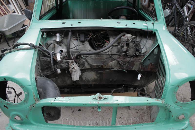 Restauration d'une Austin de 1980 198273IMG3272