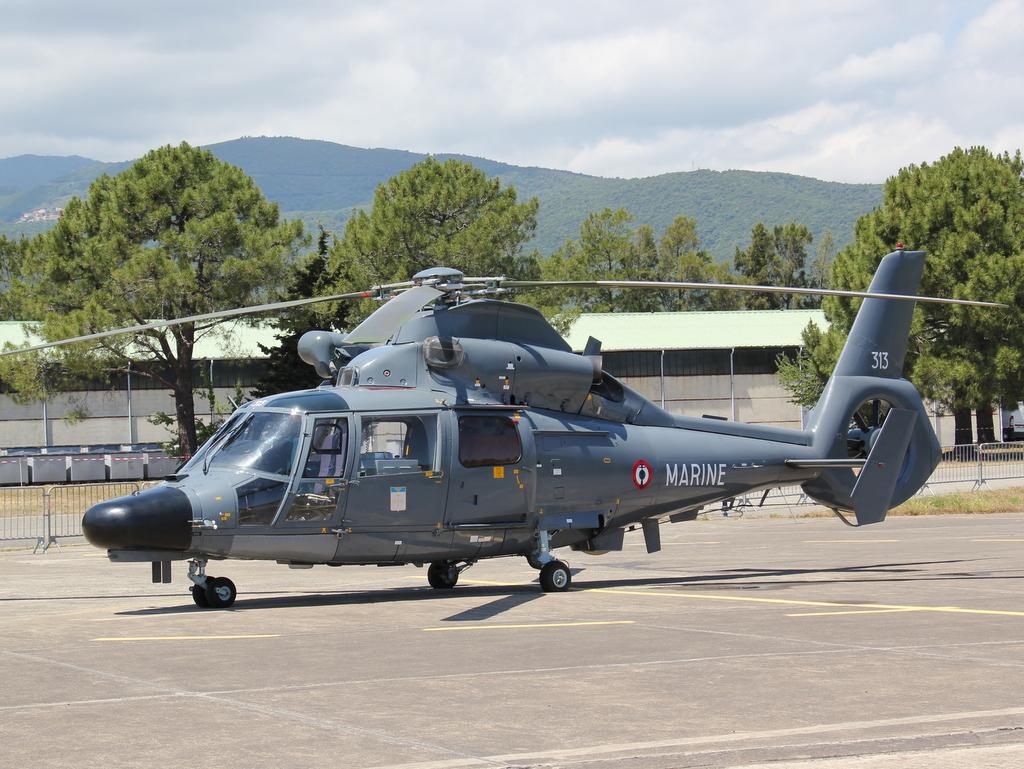 [ Aéronavale divers ] Hélicoptère DAUPHIN - Page 4 200186SOLENZARAMAI2015VENDREDI260
