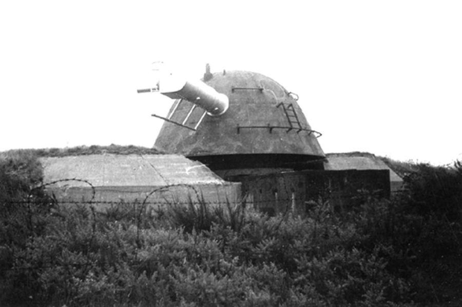 Quel type de bunker ? 200403tlmtreBattduGrognonIleGroix